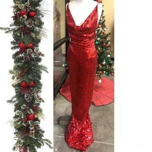 Dresses & Skirts - Red sequined formal dress size Medium